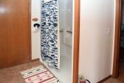 bathroom1_DSC_0136