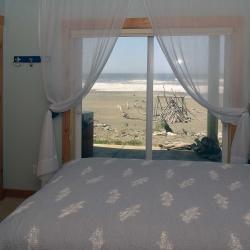 bedroom_DSC_0177