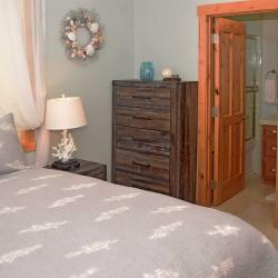 bedroom_DSC_0178