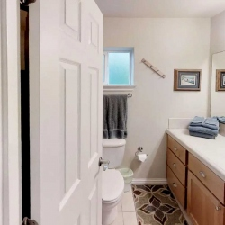 bath-downstairs